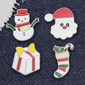 spilla cartone animato personalizzato Buon Natale Spille spille carino guanti cappello di Babbo Natale Bells calzini Donuts Candy smalto Spille Spilla