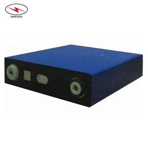 Cellulare ricaricabile LFP litio Li Ion Battery 3.2V 140Ah LiFePO4 Prismatic per 12V 140Ah Solar Akku