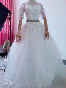 2020 Cheap Lace Crystals Sexy Wedding Dresses Sheer Neck Half Sleeves Bridal Dresses Vintage Elegant Wedding Gowns