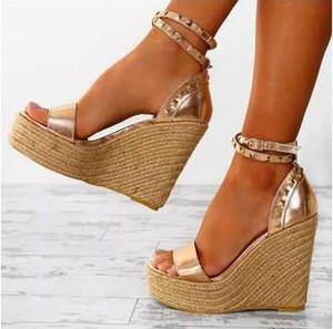 Dipsloot mujer caliente de la manera Negro Rosa Sandalias de cuña cubierta remaches de oro talón cómodo de la plataforma de tacón alto de las sandalias casuales Zapatos