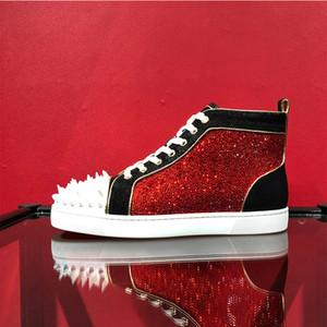2020 zapatos calientes de los hombres calientes Remaches tachonado inferior rojo de las zapatillas de deporte sin límite 018 zapatillas de deporte en Strass Zapatos de vestir para la fiesta Spikes boda barata con la caja