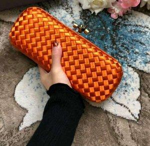 2018 yeni kadın el yapımı malzeme tığ çanta hakiki deri yılan baskı akşam debriyaj parti moda basit kintting çantası vb 25 cm