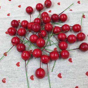 100pcs / set artificielle rouge de baie de houx de Noël bricolage jardin Décorations de Noël Fournitures 1 / 1,5 / 2cm