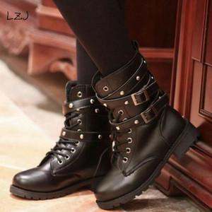 Lace Gotico LZJ 2018 della moda di New punk fino Cinture punta rotonda Scarpe Stivali donna Stivali Via mujer a motore trasporti zapatos MX200324