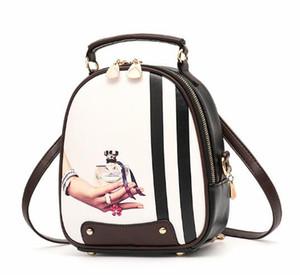 Ücretsiz yeni Casual Kore pu sırt çantaları moda kolej tarzı sırt çantaları klasik öğrenci kız çanta narin ve zarif
