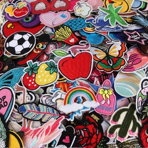DIY 50pcs Styles aleatória Assorted bordado patch Sew On / em patchwork Applique Roupa de plantas Vestido Chapéu Jeans Costura Flores Applique DIY