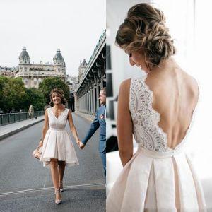 2020 Mode Casual Robes De Mariée Courte Dos Nu Dentelle Top Une Ligne Longueur Au Genou Haute Basse Robes De Mariée robe de noiva Personnalisé Plus La Taille