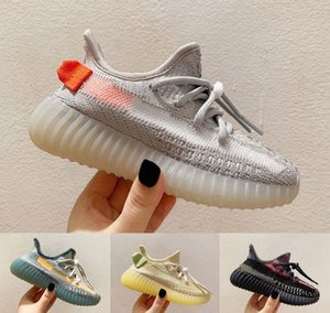 Kanye West Дети кроссовок Тройной Черные Белые Статические Светоотражающие Дети V2 Кроссовки Tail Light Yecheil Истинной Форма девушка мальчик Кроссовки Обувь