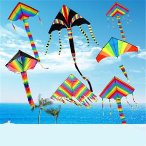 Rainbow Kite Summer Outdoor Toys Fun Sports Kite Triangle Color Kite Easy Fly Games Actividades Regalo para niños