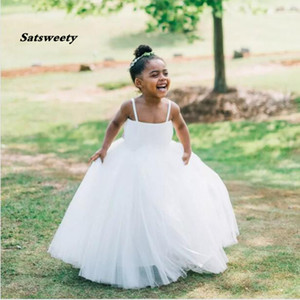 New First Communion Dresses for Girls White Straight Neckline Sleeveless Ball Gown Lace Appliques Flower Girl Dresses for Weddings