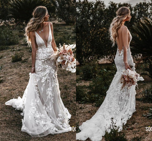 Vestido de novia elegante País sirena cuello en V profundo espalda abierta Flores acanalada cordón de la corte de tren Volver hueco vestidos de boda nupcial Nueva