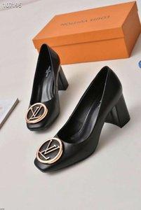 19SS 2019 de las nuevas señoras del tacón alto del dedo del pie cuadrado zapatos de la oficina de la boca baja de la moda gruesos tacones altos de las mujeres 2 pulgadas damas otoño 2020