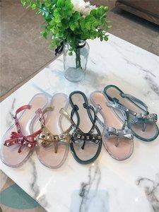 Designer femmes Rivet Chaussons Ladies Beach Slipper Stud Chaussons en cuir antidérapante Spikes Casual Tongs 35-41 LTS