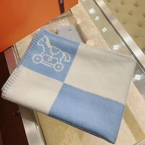 Modelo de la tela escocesa clásica del potro del niño recién nacido del bebé cachemira mezcla de lana Manta suave cómoda Tamaño 140 * 100cm Manta regalo de Navidad