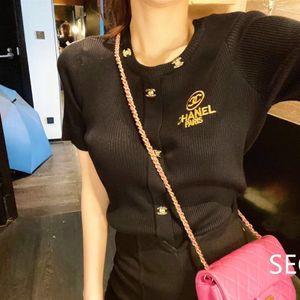 Corto de punto chaqueta de 2020 nuevos verano pequeña fragancia bordado versátil Ins moderna de manga corta camiseta de las mujeres versátiles