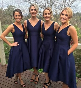 2019 New Navy Blue Short High-Low Bridesmaid Dresses With Pockets Cheap V-Neck Pleats Maid Of Honor Gowns Formal Junior Bridesmaids Dress