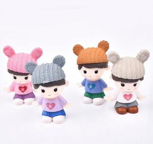 4pcs / set Sweety Lovers Couple Figurines Miniatures Fée Jardin Gnome Moss Terrariums Résine Artisanat Décoration de La Maison