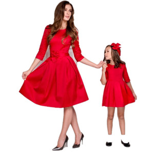 2018 New Christmas Family Match Outfits Mãe Filha Matching Dress Outono Mommy And Me Vestidos Xmas Vestidos H0122 Y19051103