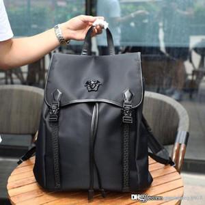 Clássico da moda bolsa de ombro do homem designer de luxo hardware de produção de couro LOGOTIPO lindo único homem mochila NB: 8803-1 OITO