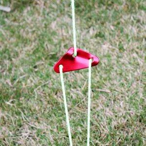 Открытый кемпинг 4шт Сверхлегкой Triangle Rope Натяжного алюминиевый сплав Ветер Веревка пряжка Палатка ветрозащитного Rope Штекер палаточного Suppl