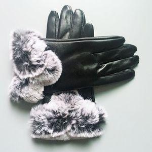 23cm * 10cm neri Guanti in pelle di marca Guanti del progettista delle donne degli uomini inverno riscalda i guanti di lusso copre cinque Fingers