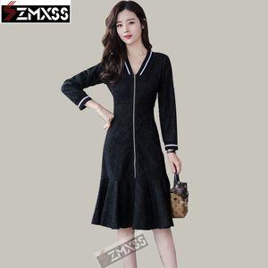 SZMXSS 2020 Casual Siyah Elbise Sonbahar Kadınlar Yeni İnce Elbise Katı Küçük Taze Ruffles Dantel Dikiş Fermuar Trompet