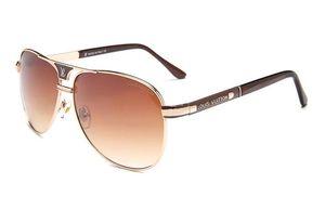9017 Top Quality New Fashion Occhiali da sole per uomo e donna Erika Eyewear Designe Marca Occhiali da sole Matt Leopard Gradient UV400