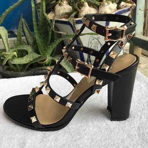 Entrega grátis! 2020 Sandals Primavera e do Verão Sandals Mulheres moda sapatos de salto alto Grosseiro-8-color verdadeira Box Belt