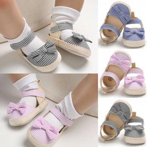 A estrenar recién nacidos del bebé sandalias infantiles de los bebés de princesa Bowknot de los zapatos suaves de las sandalias de lona de la raya del verano de la manera caliente 2019