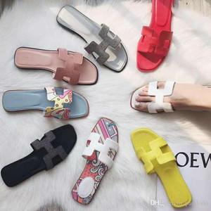 2020 Marque Flats Sandales avec boîte sac à poussière haute qualité Chaussons Designers Mocassins Mode Tongs Bottes Baskets 35-41KEu9 #