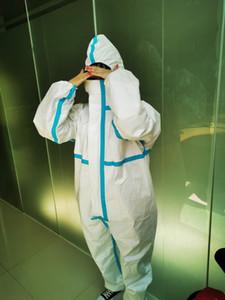 DHL Livraison gratuite à usage unique 3-couche combinaison de protection anti-poussière à capuchon siamois équipement de vêtements de protection individuelle unisexe hommes Femme