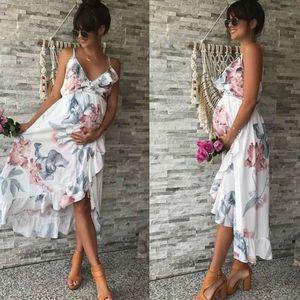 Mutterschaft Kleider aus Milch Faser für Sitzen Foto White V-Ausschnitt Blumen-Rüsche Schwangerschaft Kleid Mutterschaft Fotografie Props