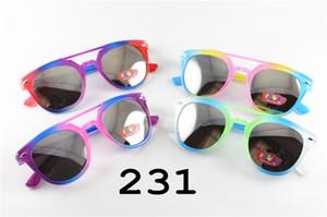Neue modische Baby-Kind-Multicolor-Sonnenbrille für Kinder Jungen Mädchen-Glas-Farbton UV400 Schutz der Kinder Runde für Kinder Brillen 231