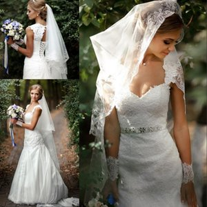 Vintage Sweetheart Neck Sleeveless Open Back Mermaid Wedding Dresses Lace Up Back Lace Tulle Long Bridal Gown With Sash