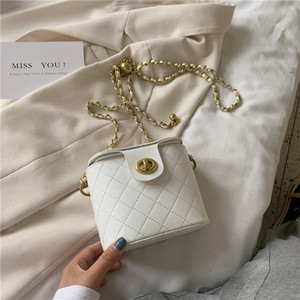 2020 neue europäischer Stil minimalistische Mode-Kette Tasche Lunchbox Lingge wilde Schulter diagonal Paket Zustrom von Frauen
