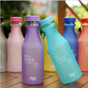 DHL 550ml Bouteille d'eau Couleurs Candy Incassable givré étanche en plastique Bouilloire sans BPA bouteille d'eau portable pour Yoga Course à pied Camping