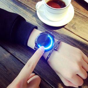 Novo Popular Casual mens relógios de grife LED Toque Auto Luz mens relógios Especial Estilo de Moda Pulseira de Couro Iady Relógios