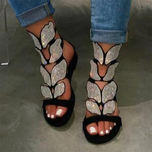 Diseñador de zapatos de las mujeres de cristal Moda punta abierta sandalias de tacón bajo Rhinestone plana del deslizador de la mariposa del verano de la cuña sandalias planas cómodas