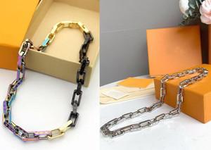Европа Америка горячие продажи моды для мужчин Леди титана стали гравировать четыре листа цветок V письмо 18k позолоченные толстые цвета цепи ожерелья