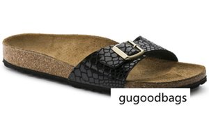 style With Orignal Box Men s Woman Famous Brand Flat Sandals Comfortable Casual one Buckle Summer Beach Genuine Leather Slipper Madrid