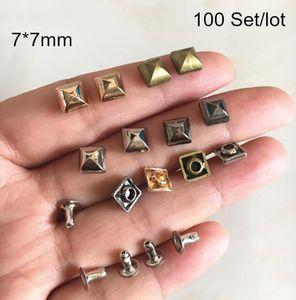 100 Набор пухлых квадратных пирамидальных заклепок, 7 * 7 мм DIY Заклепка для украшения одежды, Рок Спайк Панк Заклепка, розовое золото, серебро, бронза
