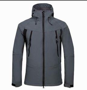 Yüksek kaliteli su geçirmez Nefes Softshell Ceket Erkekler Dış Mekan Spor Coats Kayak Yürüyüş Windproof Kış Dış Giyim Yumuşak Kabuk Jacke 3COLOR