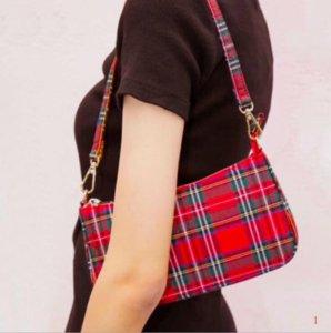 Designer de moda de luxo bolsas bolsas sacos de ombro nas axilas Retro Bag Mulheres Baguette clássico Marca bloqueio selvagem Verifique Bolsa PH-RG2040304