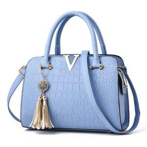 2019 new handbag shoulder European and American fashion handbags crocodile pattern lady handbags