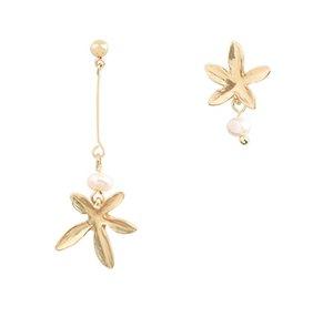 Rétro Maple Leaf boucles d'oreilles asymétriques pendentif perle femelle long pompon Fashion ear Nail 925 Silver Needle