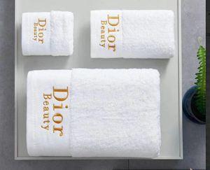 Serviette de bain Blanc Serviettes Sets Marque Place Serviette de plage et serviettes de bain 3 pièces 1 jeu Coton Tissu souple Confortable 2020 nouvelle arriv
