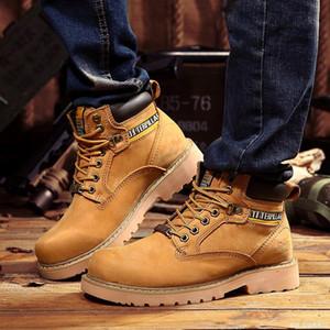 2020 nouvelle usine Wholesale Martin Bottes Hommes Première couche en cuir mat extérieur Haut-Top Outillage Chaussures en cuir Bottes Big Head Desert War Boot
