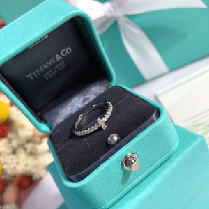 여성 고품질의 반지 결혼식 빛나는 다이아몬드 약혼 반지 2020 T 고급 디자이너 보석 여성 반지