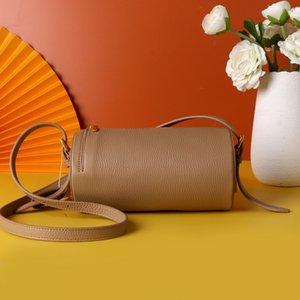 9014 # pequeno saco do tamanho 2020 novo saco feminino primeira camada de importações de couro de espanhol rodada de ombro ajustável saco do mensageiro axila