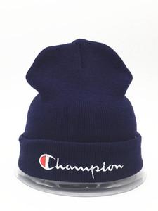 Chapeaux d'hiver pas cher de golf adultes Hip Hop Knit Beanies Hommes Femmes d'hiver Head Warmer Caps Crâne
